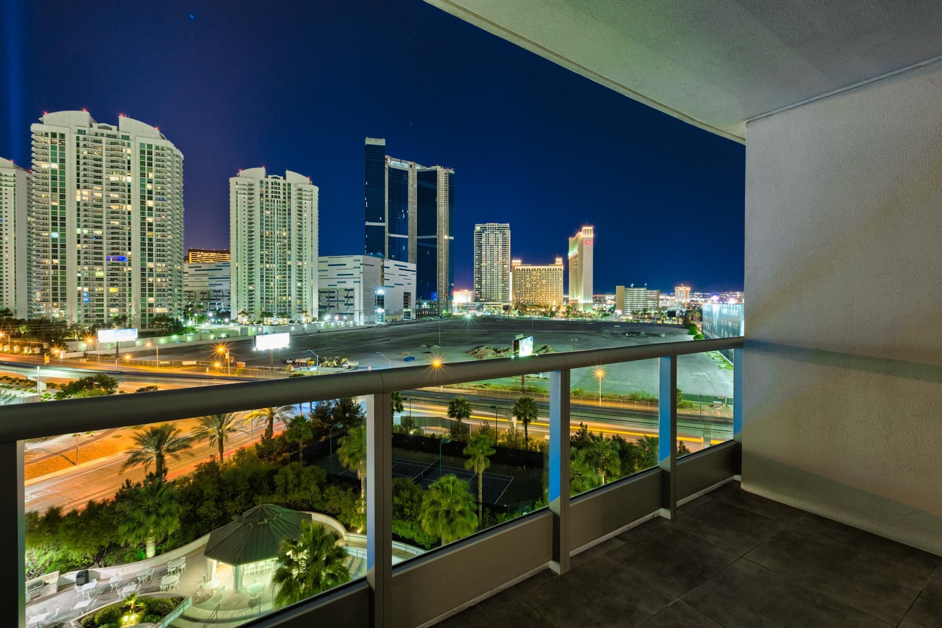 Turnberry-Towers-Las-Vegas-Luxury-Condos-For-Sale-Unit-801-Strip-View