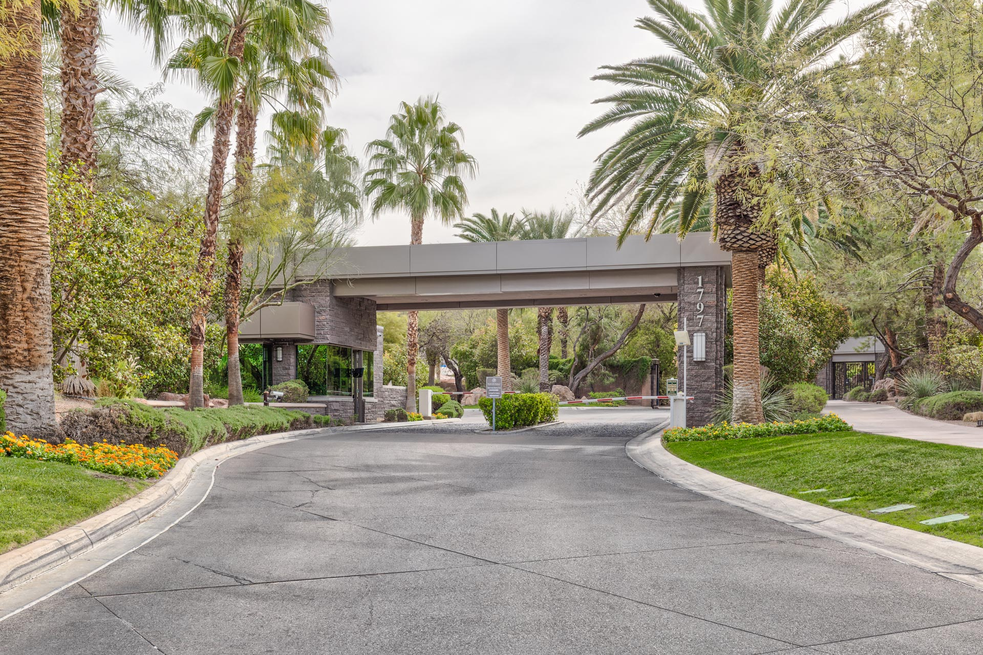 MacDonald-Highlands-Homes-For-Sale-In-Henderson-89012-Guard-Gated-Luxury-Homes
